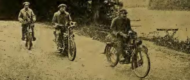1912 3 TOURISTS