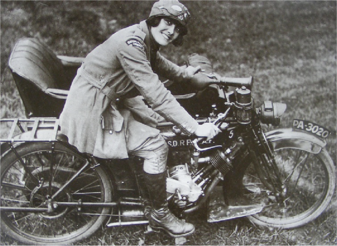 1917? WOMAN RFC P&M