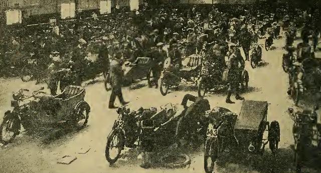 1913 6DT RINKSCENE