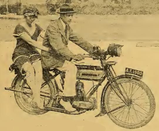 1919 PRETTY PILLION