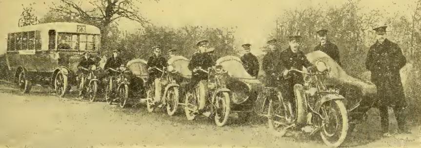 1922 BUS BEEZAS