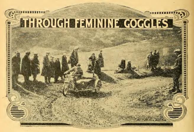 1922 FEMININE AW