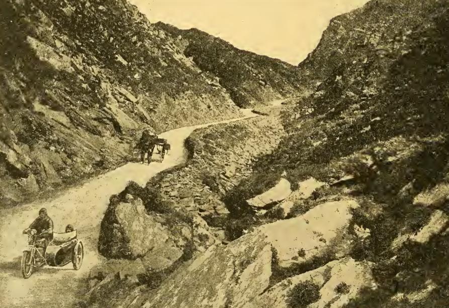 1922 IRISH SCENE
