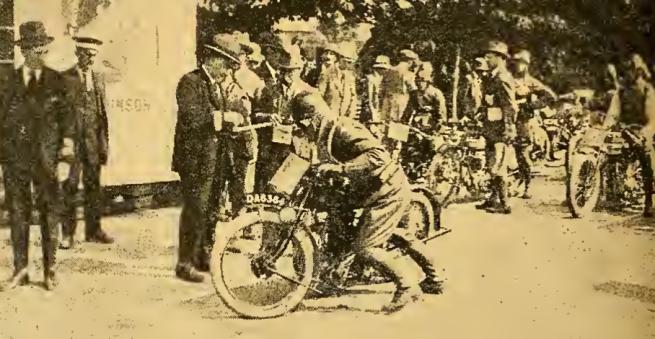 1922 TT DAVIES STARTS