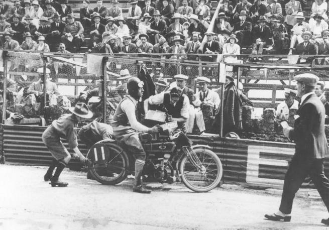 1922 TT DAVISON