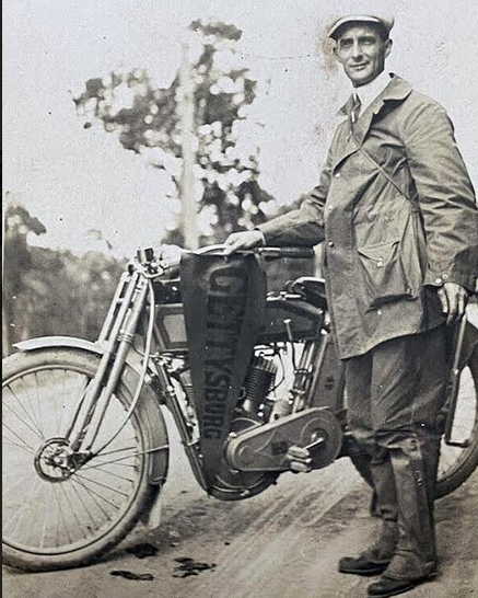 1900S US HARLEY 3