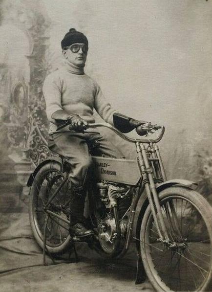 1900s HD STUDIO PIC