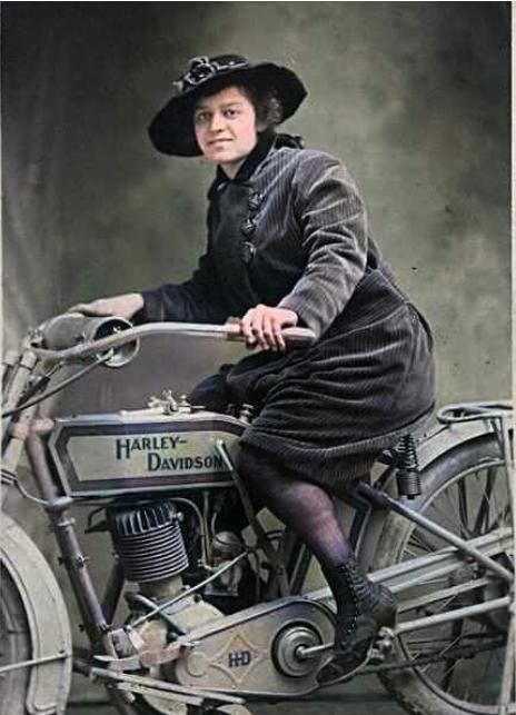 1900s US HD WOMAN COLOUR
