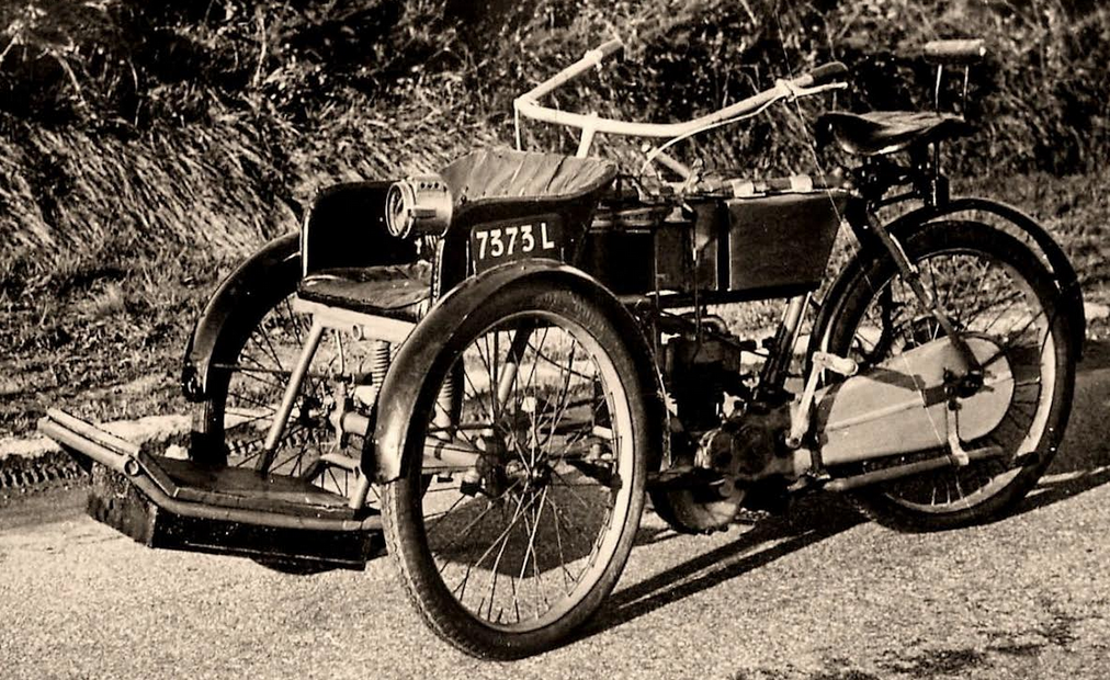 1899 BRUNEAU FORECAR
