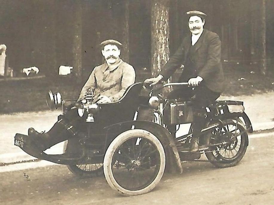 1900s FORECAR AVEC TACHES