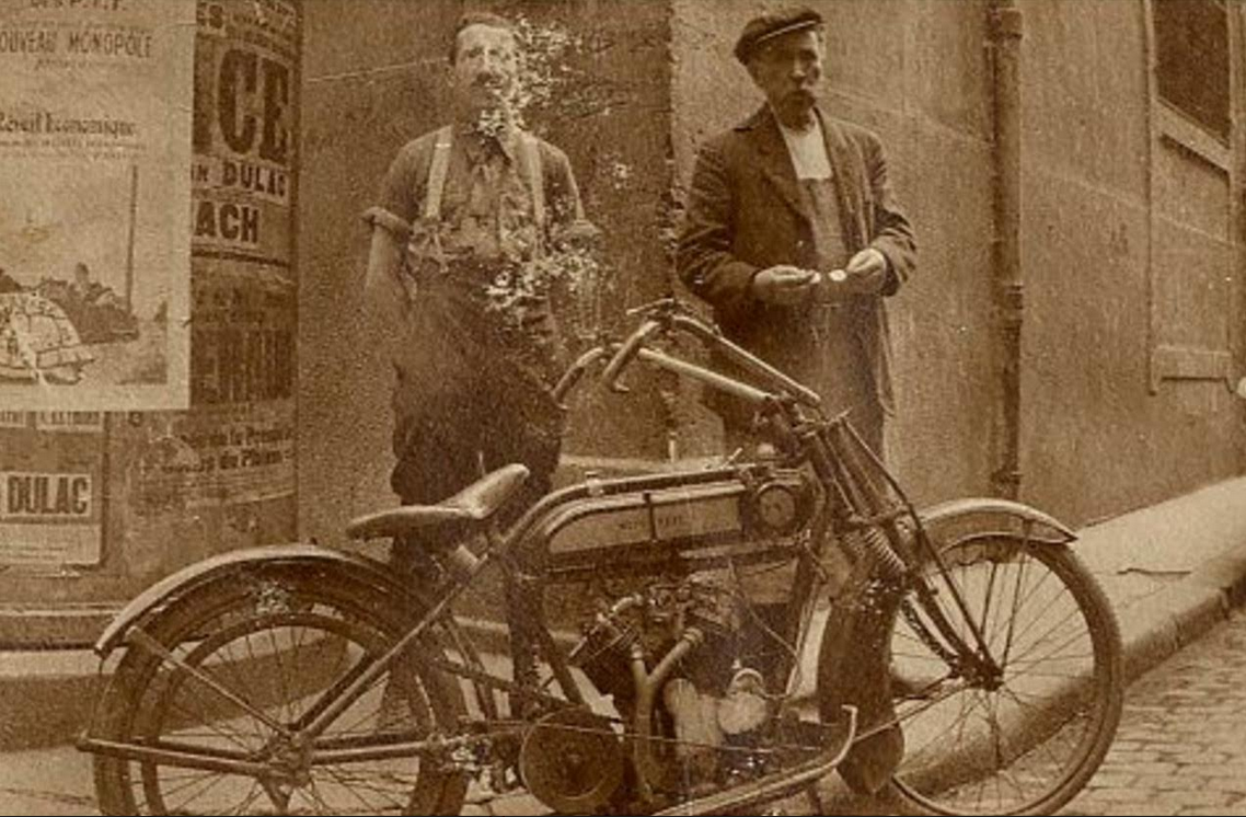 1900s FRENCH TWIN